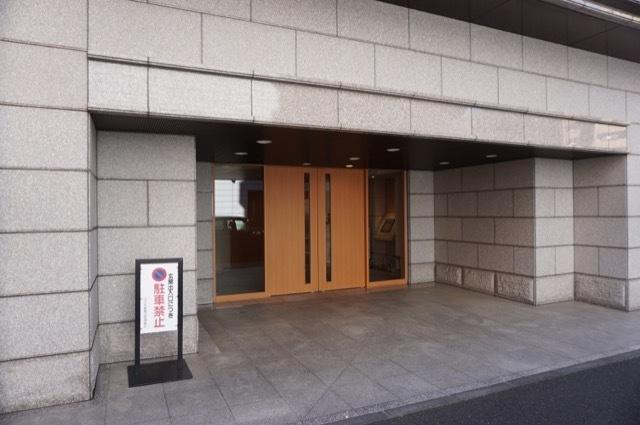 コスモ新横浜のエントランス