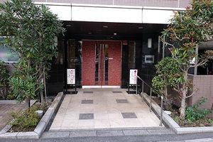 ガーデンホーム多摩川クアルトのエントランス