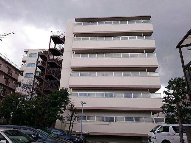 シャルマンコーポ梅屋敷の外観